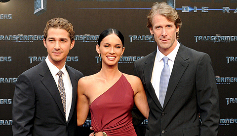 Shia LaBeouf y Megan Fox junto al director Michael Bay. | Efe