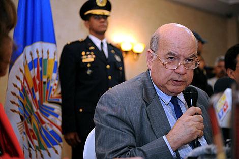 Insulza, durante la rueda de prensa que ofreció en la capital hondureña. | AFP