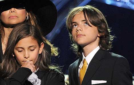 Los dos hijos mayores de Michael Jackson. | Efe