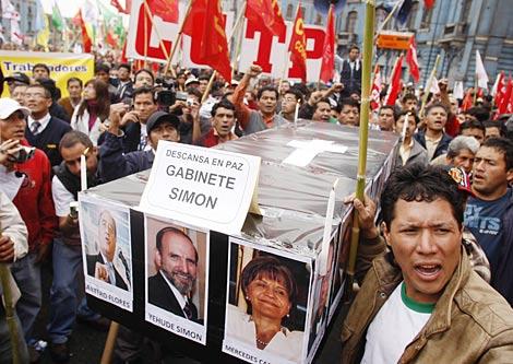 Protestas contra el Gobierno en Lima. | Reuters