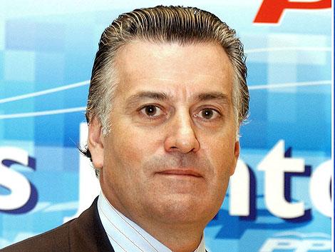 El senador y tesorero del PP, Luis Bárcenas. | Efe