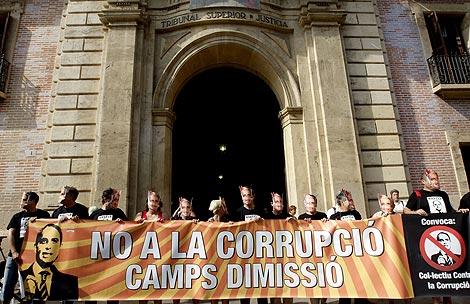 Concentración contra la corrupción a las puertas de TSJ.   Efe