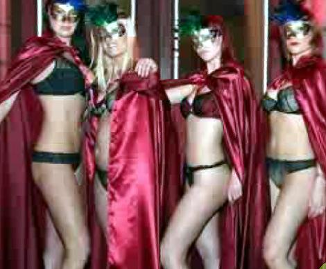 Imagen del vídeo promocional de la orgía. | LittleSins.com