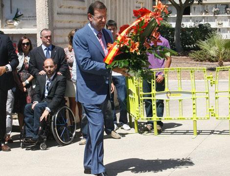 Rajoy, en un homenaje en Málaga hoy al concejal asesinado Martín Carpena.   Antonio Pastor