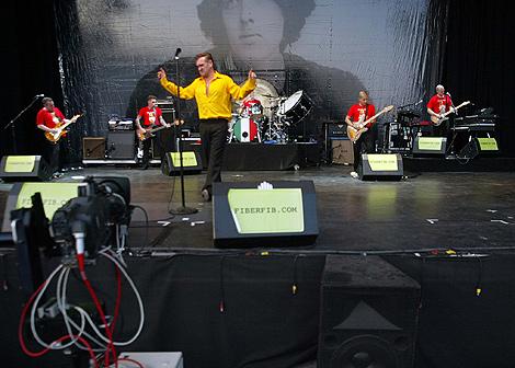 Morrissey, cantante de The Smiths, durante su actuación de 2006. | Eugenio Torres
