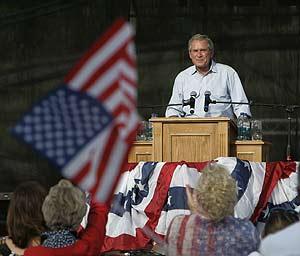Bush en Oklahoma, el sábado 4 de julio (Foto:AP)