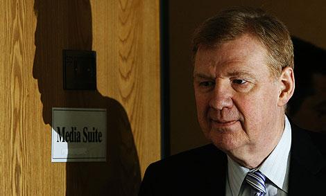 El director general de Salud Pública, Liam Donaldson.   Reuters