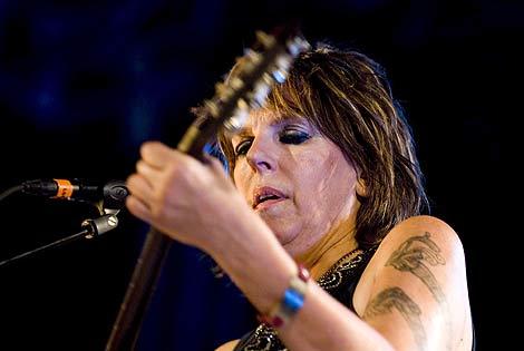 Lucinda Williams, en una actuación en Cartagena (Murcia). | Efe