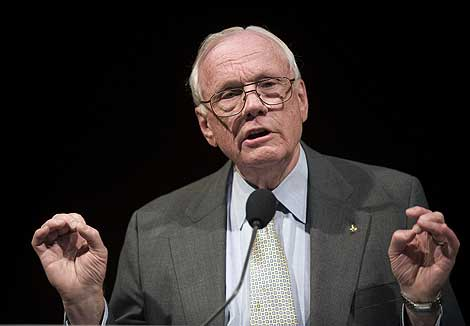 Neil Armstrong, durante la Conferencia. | AP Photo.