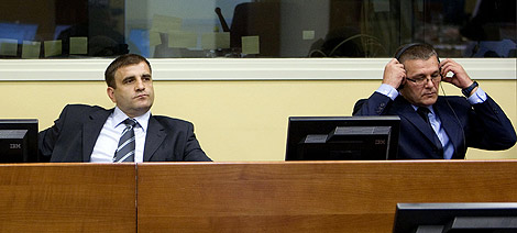 Milan y Sredoje Lukic en el Tribunal. | Reuters