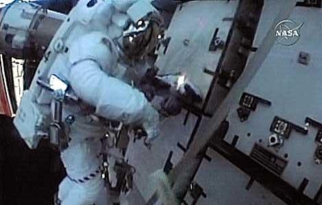 Imágenes facilitadas por la NASA de la misión de este miércoles.   Afp