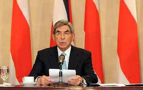 Óscar Arias, dando a conocer el último y finalmente fallido acuerdo.   Efe