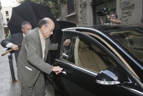 Millet trata de salir a escondidas del Palau. | Quique García