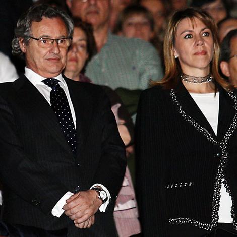 El novio es de Sevilla y es primo hermano del que fuera alcalde de Madrid, José María Álvarez del Manzano.