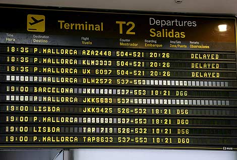 Vuelos retrasados a Mallorca en el aeropuerto de Barajas (Madrid). | Efe