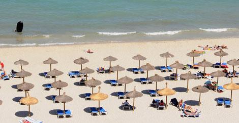 Imagen de la playa de Palmanova desierta. | Bernardo Paz