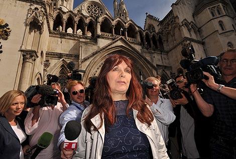 Janis Sharp, la madre del 'hacker' Gary McKinnon, en la Corte Suprema de Londres. | Efe