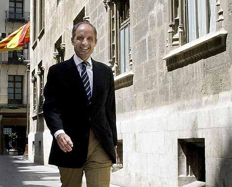 Camps, tras conocerse el auto que archiva la investigación valenciana del 'caso Gürtel'. | Efe