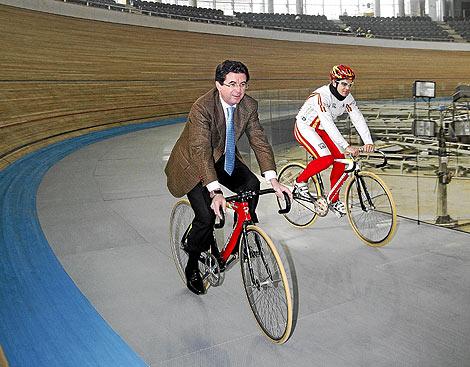 El ex presidente balear, Jaume Matas, en el velódromo.   Palma Arena