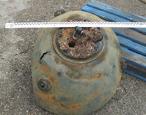 Una de las minas desactivadas que ha provocado el choque policial | EL MUNDO
