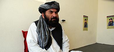 El mulá Rockety, en su oficina en Kabul.   Mònica Bernabé