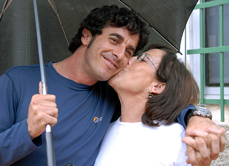 Emilio Morenatti en 2006, tras ser liberado de su secuestro en Gaza. | Efe