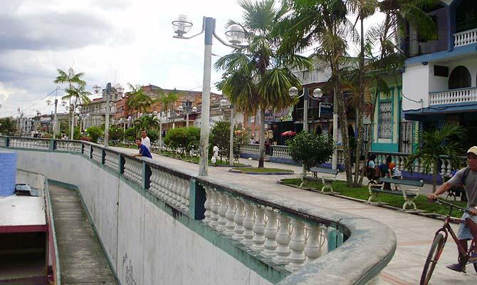 Vista del bulevar de la ciudad de Iquitos. | W. Fernandez)
