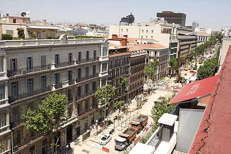 Obras en la calle Serrano. (Foto: Sergio González)