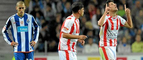 Manuel Bruno China levanta los brazos tras marcar un gol con el Leixaos esta temporada   El Mundo