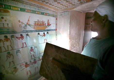 Imagen de una de las tumbas.   Efe