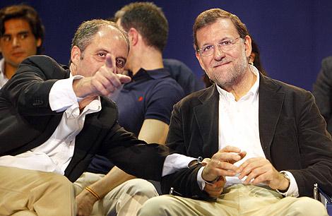 Camps y Rajoy, durante un acto del PP en Valencia. | Vicent Bosch
