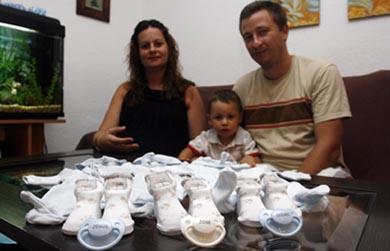 Rocío Plaza y José Alarcón esperan tres gemelos idénticos.   C. Díaz