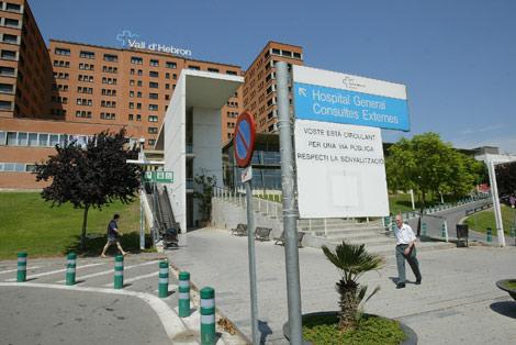 El Hospital Vall d'Hebron de Barcelona, donde está ingresada la niña.   Antonio Moreno