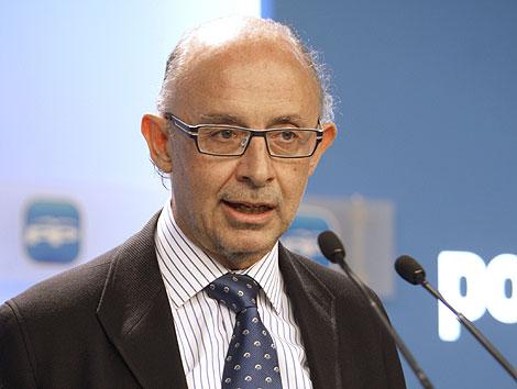 Cristóbal Montoro, en la sede del PP. | Efe