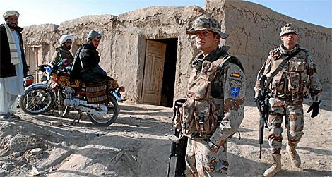 Soldados españoles en Badghis.   Mònica Bernabé