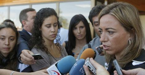 La ministra de Defensa, Came Chacón, ante los medios. | Efe