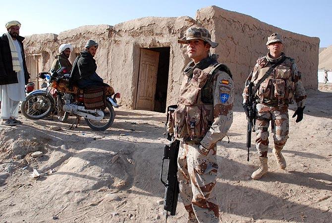 Tropas españolas en la provincia de Badghis, en el noreste de Afganistán. (Foto: M. BERNABÉ)