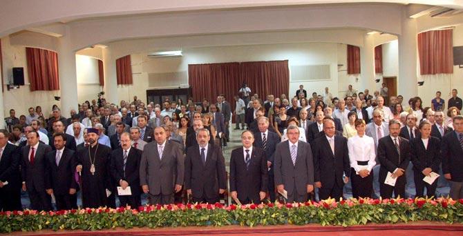 Asistentes a la Conferencia sobre el genocidio armenio.