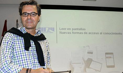El director de un portal cultural, Javier Celaya, en Segovia. | Efe