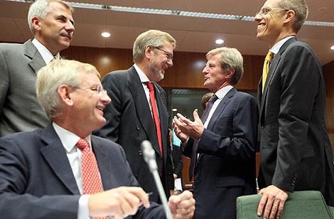 Los ministros de Exteriores de Lituania, Suecia, Dinamarca, Francia y Finlandia, en Bruselas. | Efe