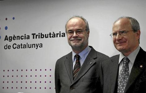 Castells y Montilla en la sede de la Agencia Tributaria de Cataluña. | S. Cogolludo