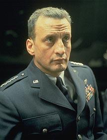 Como el general Turgidson en '¿Teléfono rojo?'. | AP