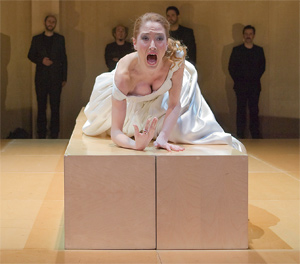 La actriz en una escena de la obra 'La estrella de Sevilla', de Lope de Vega