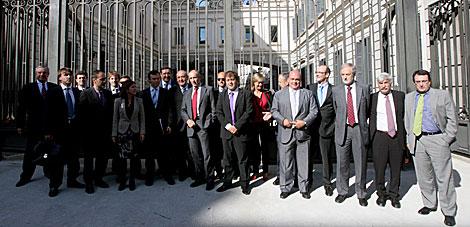 Representantes de los atuneros con diputados del PNV. | José Aymá