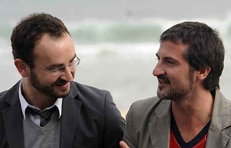 Los directores Álvaro Pastor y Antonio Naharro. | Foto: Reuters