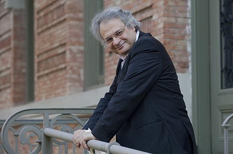 Amin Maalouf este lunes en la Casa Árabe de Madrid. Antonio M. Xoubanova
