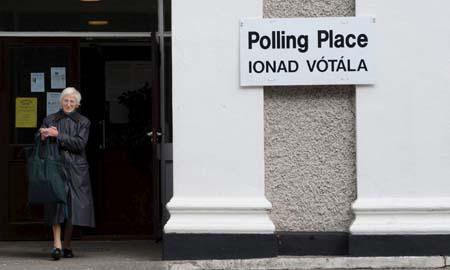 Un centro electoral en Dublín, donde se votó el segundo referéndum irlandés el viernes. | Efe