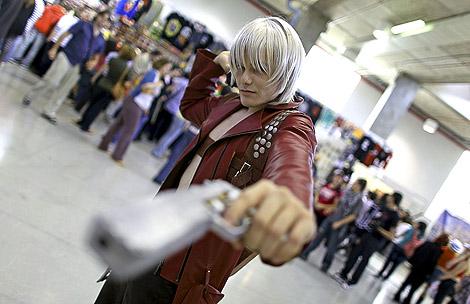 Uno de los asistentes disfrazados en el Salón del Manga de Valencia | Efe.