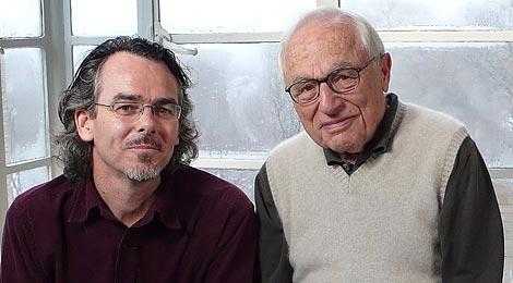 Oriol Porta y Walter Bernstein, uno de los entrevistados. | Foto: Área de Televisió