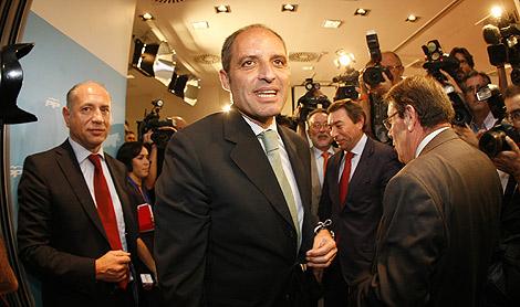 Francisco Camps al término del Comité Regional del PP valenciano | José Cuéllar.